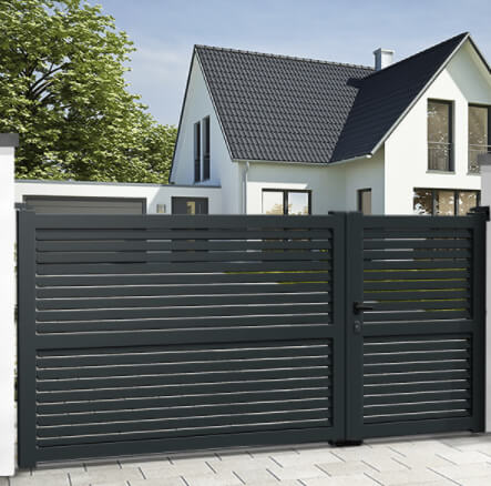 UNEQUAL double swing gates